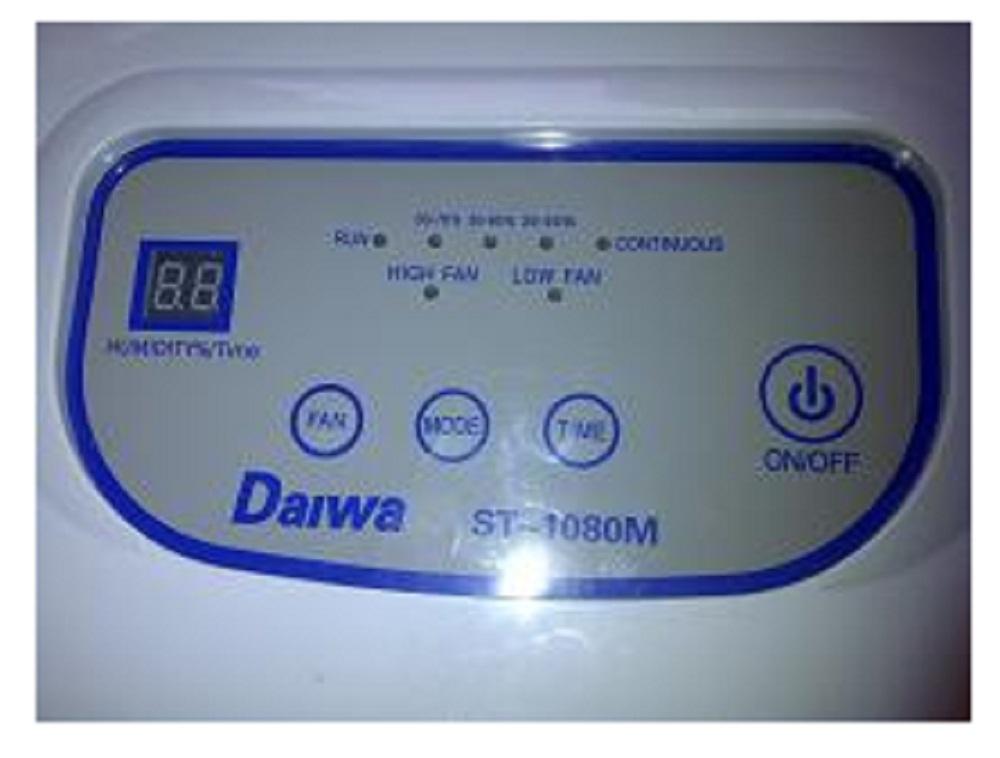 Bảng điều khiển của máy hút ẩm công nghiệp Daiwa ST-1080