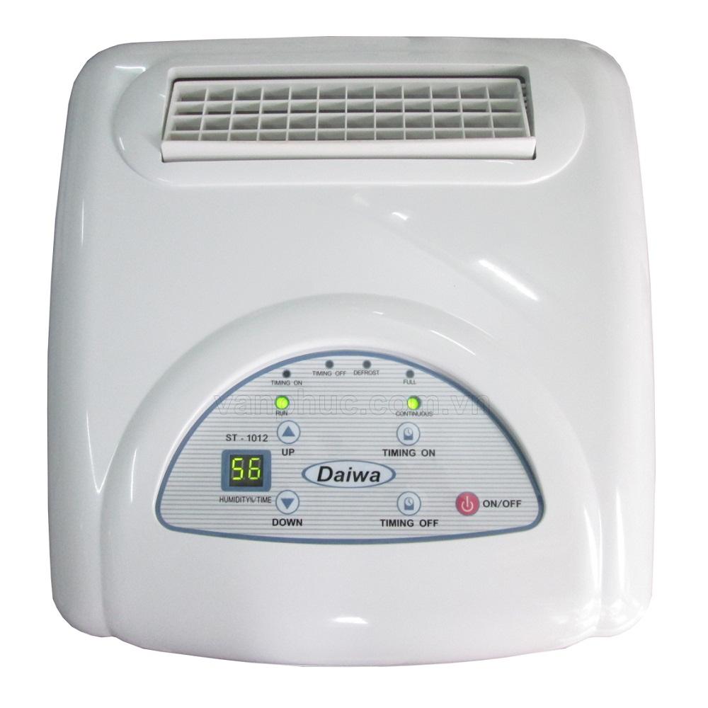 Bảng điều khiển điện tử của máy hút ẩm Daiwa ST-1030