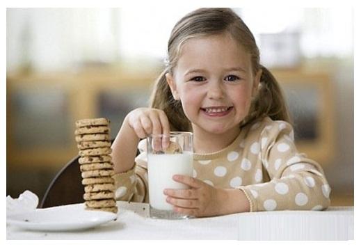 Sữa từ máy làm sữa đậu nành Philips HD2061 rất tốt cho trẻ nhỏ