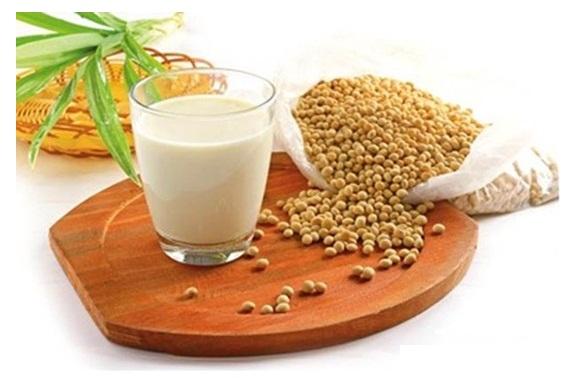 Sữa đậu nành cung cấp nguồn dinh dưỡng rất tốt cho cơ thể con người