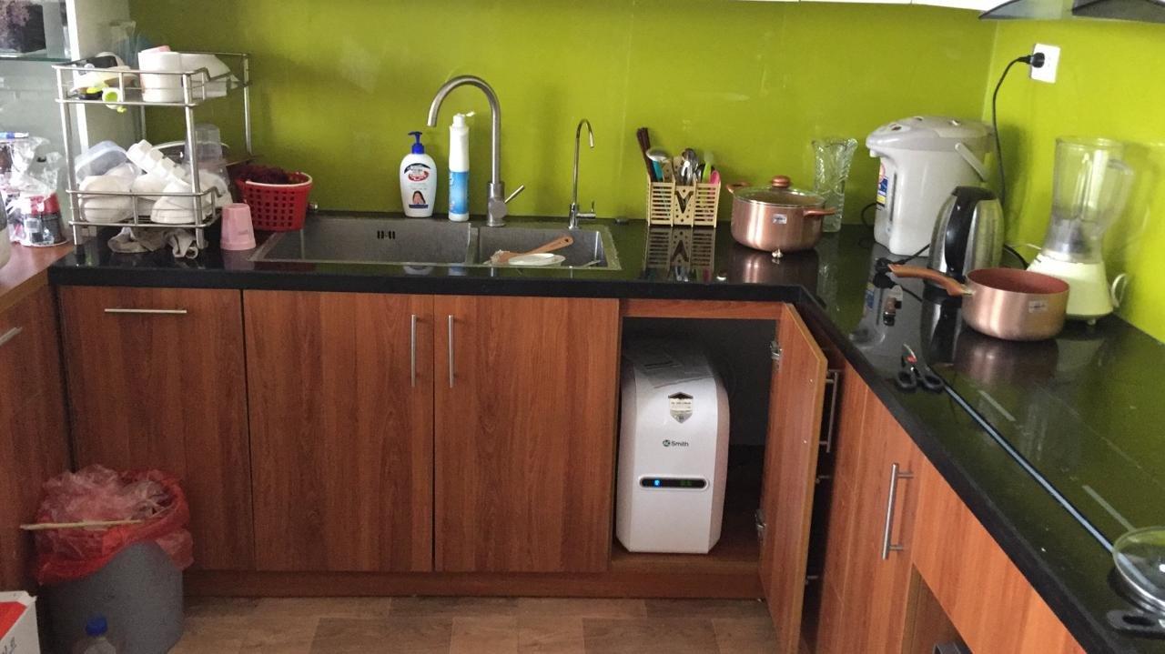 Lắp đặtmáy lọc nước Aosmith G1 dưới tủ bếp